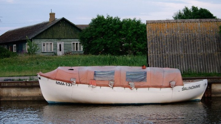 The White boat at Salinõmme, Hiiumaa